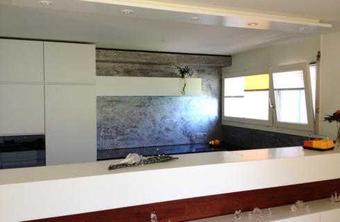 Dekorspachtelung im Küchenbereich - Projekt ausgeführt von Massimo Color, Hergiswil